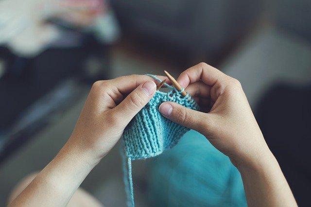Quels sont les meilleurs sites pour apprendre le tricot en ligne ?